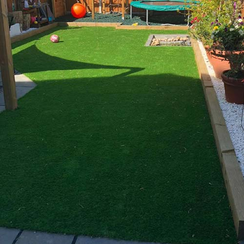 How to Choose the Best Artificial Grass for your Garden
